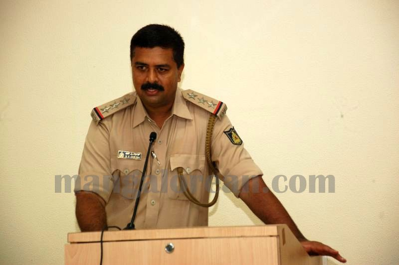 image004interaction-auto-driver-police-udupi-20160520