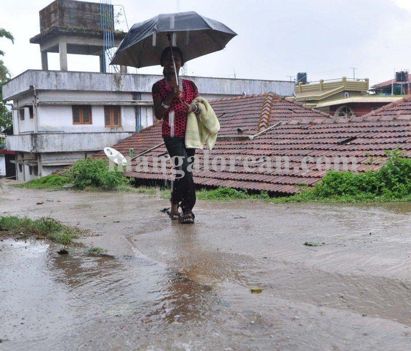image004madikeri-rains-020160511-004