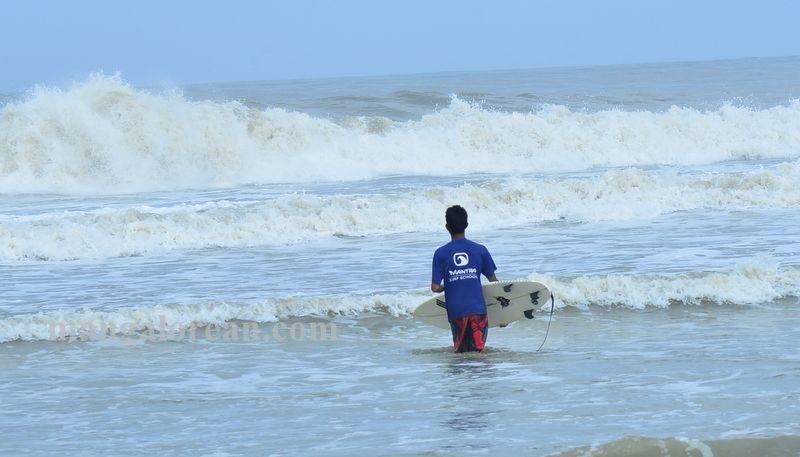 image004surfing-tannir-bavi-beach-020160522-004