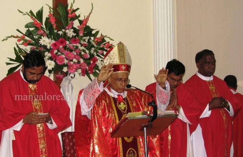 image005archbishop-moras-birthday-020160516-005