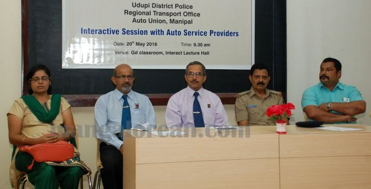 image005interaction-auto-driver-police-udupi-20160520