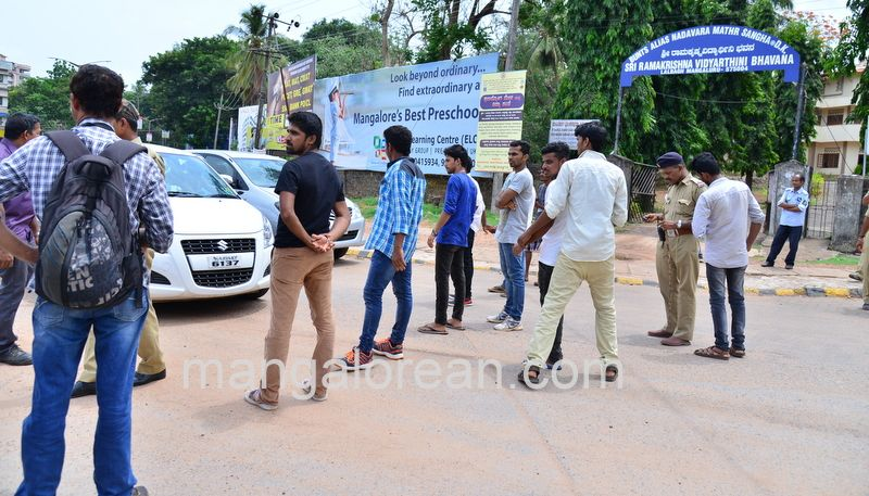 image006lalbagh-protest-20160519-006