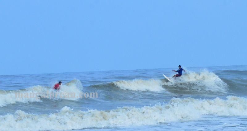 image006surfing-tannir-bavi-beach-020160522-006
