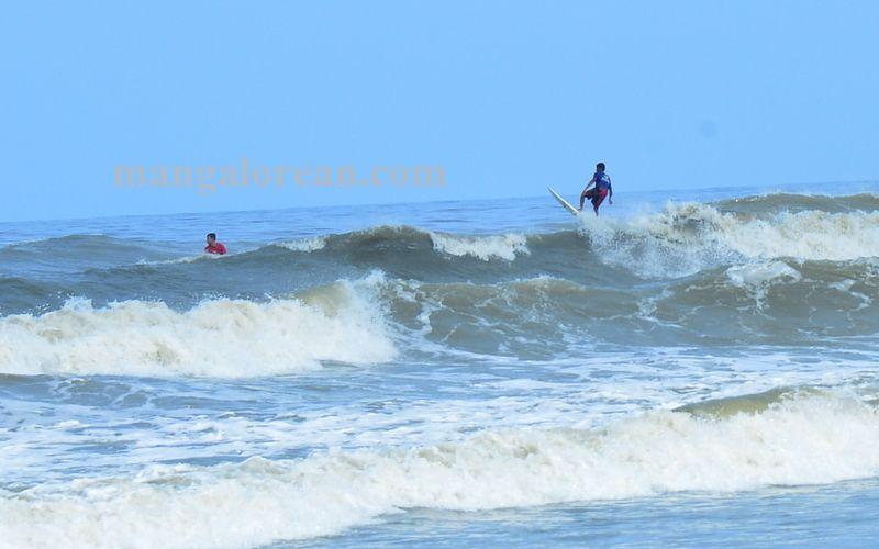 image007surfing-tannir-bavi-beach-020160522-007