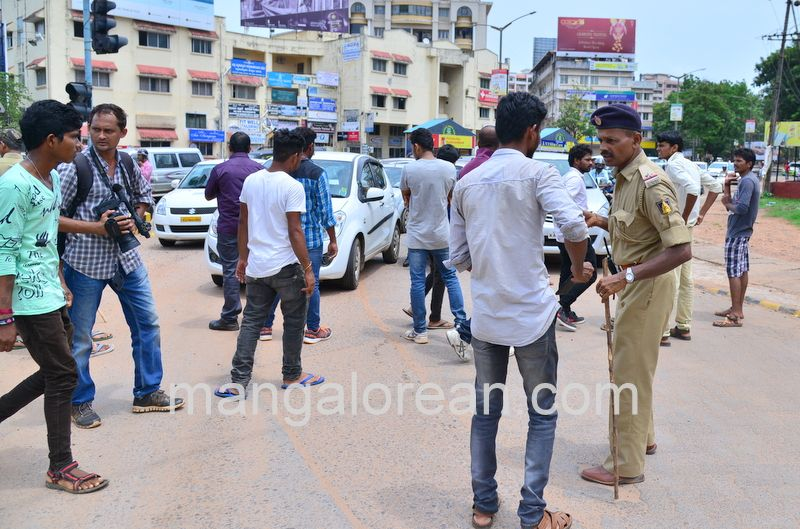 image008lalbagh-protest-20160519-008