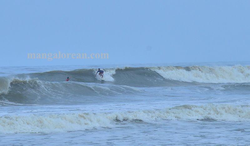 image009surfing-tannir-bavi-beach-020160522-009