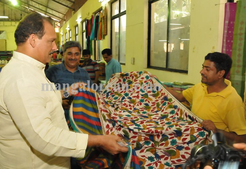 image010cotton-silk-craft-expo-020160506-010
