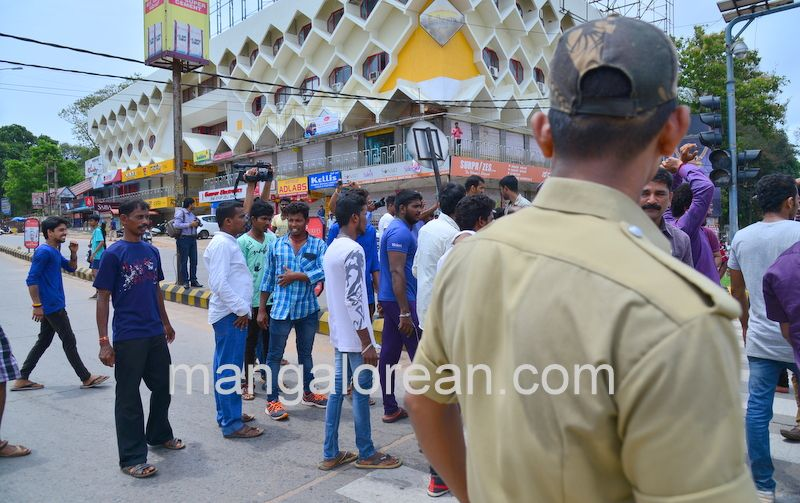 image010lalbagh-protest-20160519-010