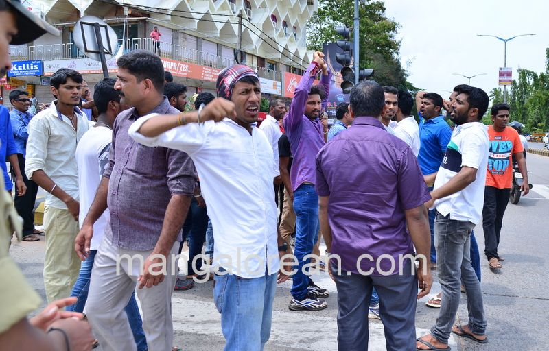 image011lalbagh-protest-20160519-011
