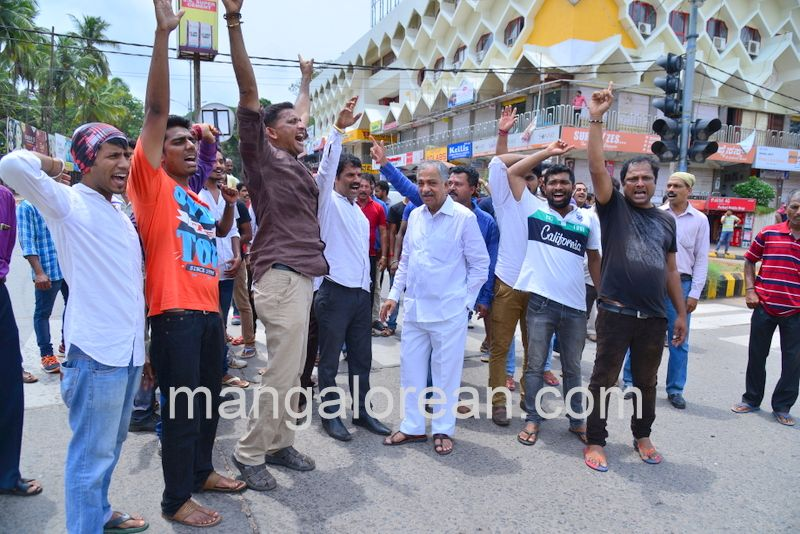 image012lalbagh-protest-20160519-012