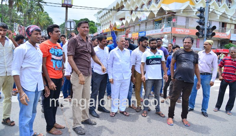 image013lalbagh-protest-20160519-013
