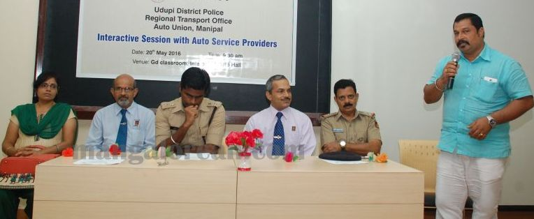 image023interaction-auto-driver-police-udupi-20160520