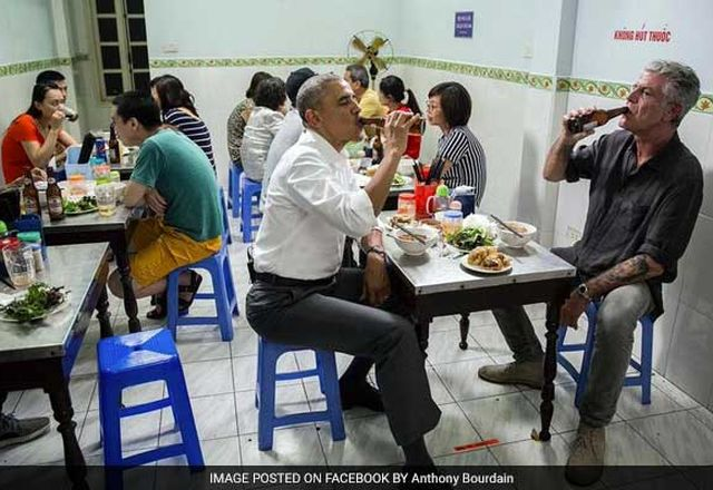 obama-in-vietnam-restaurant-01