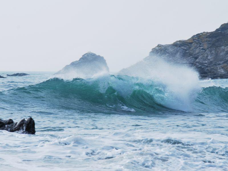 sea-waves-20160529