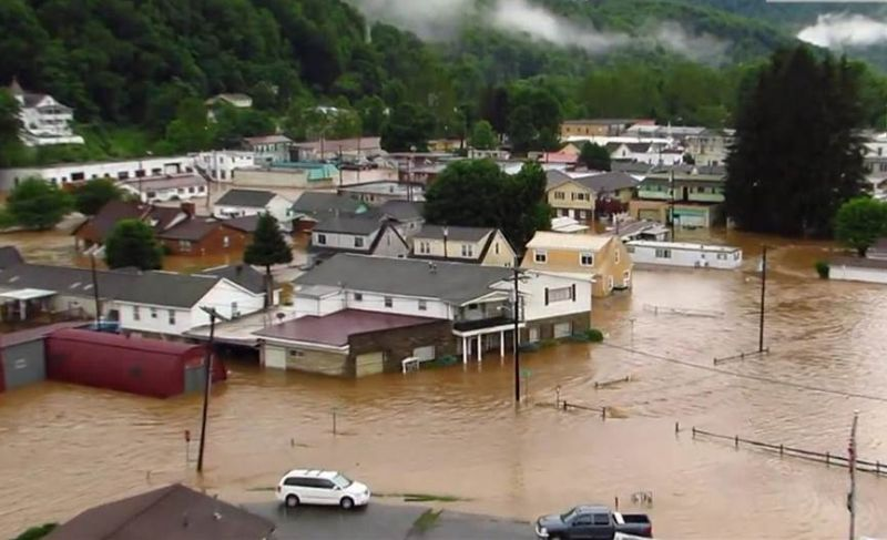23-dead-in-us-flooding-20160625