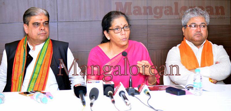 Nirmala-Sitharaman-08062016 (8)