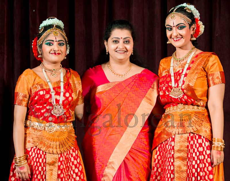 Prathama-Paadam-Divya-Ramganesh-Sneha-Satyan-05062016 (11)
