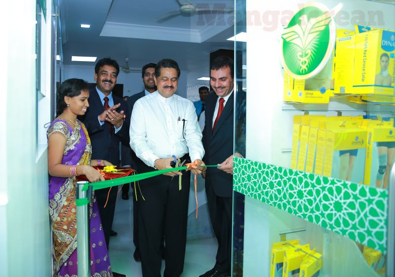 Thumbay-Pharmacy-Opens-First-Two-Indian-Outlets-01062016 (2)