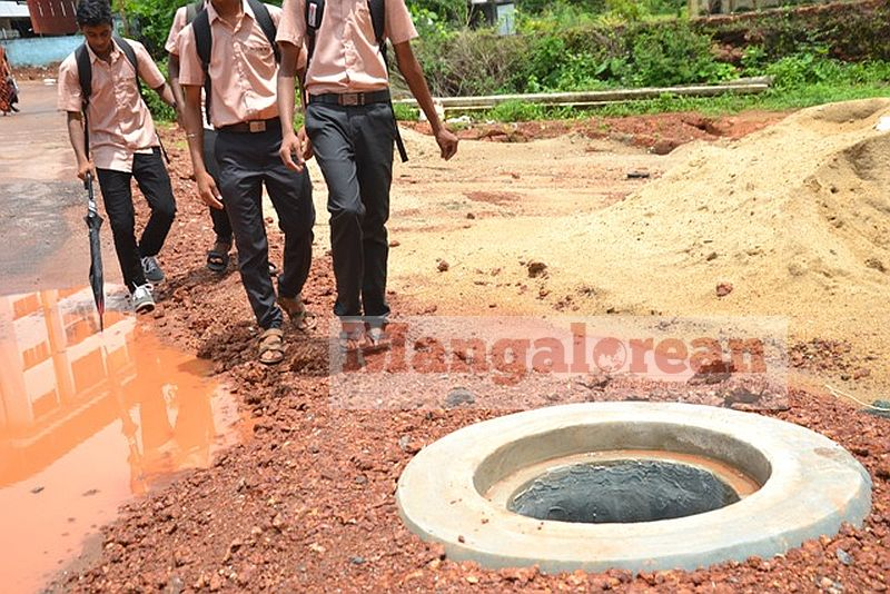 death-trap-open-manholes-pose-threat-to-lives (15)
