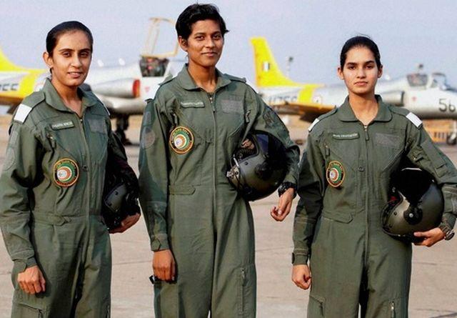 iaf-pilots-women-20160618