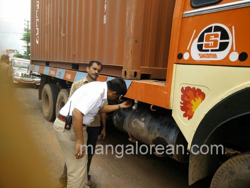 image001container-inspection-20160615-001
