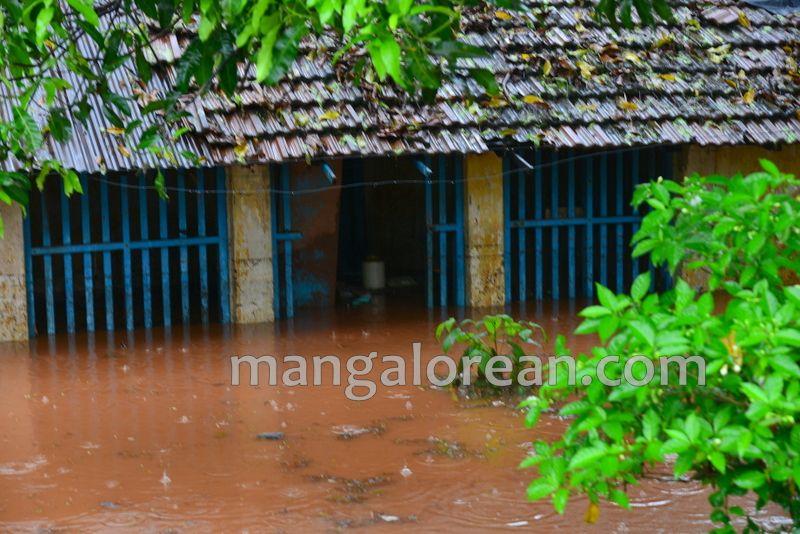 image001rain-flood-yeyyadi-20160607-001