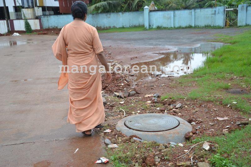 image002open-manholes-20160628-002