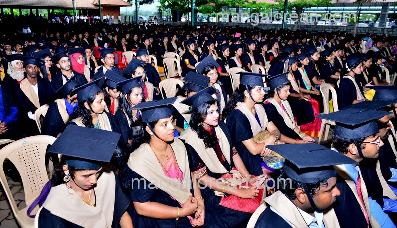 image002sahyadri-graduation-20160611-002