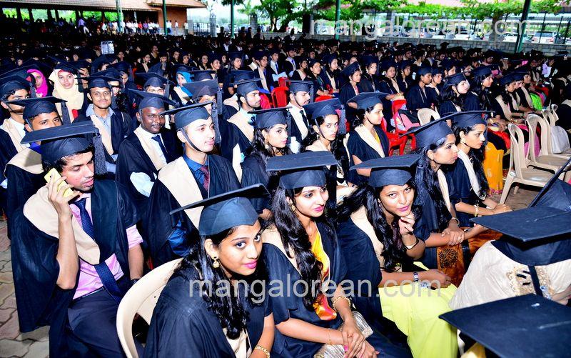 image003sahyadri-graduation-20160611-003