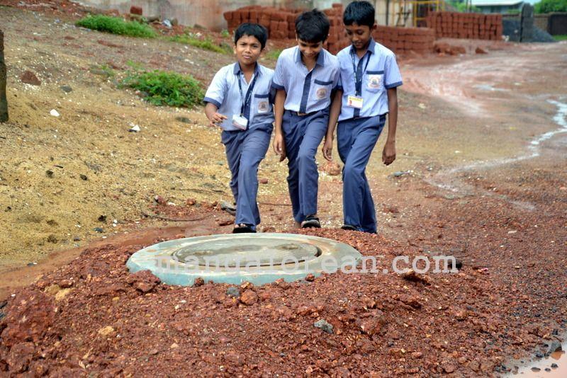 image004open-manholes-20160628-004
