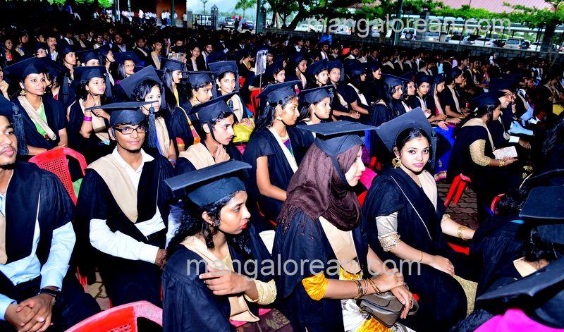 image004sahyadri-graduation-20160611-004
