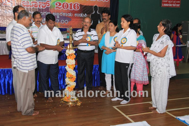 image004world-yoga-day-udupi-20160621