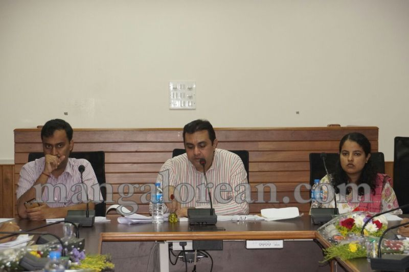 image005dist-official-meeting-20160625