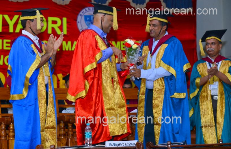 image006sahyadri-graduation-20160611-006
