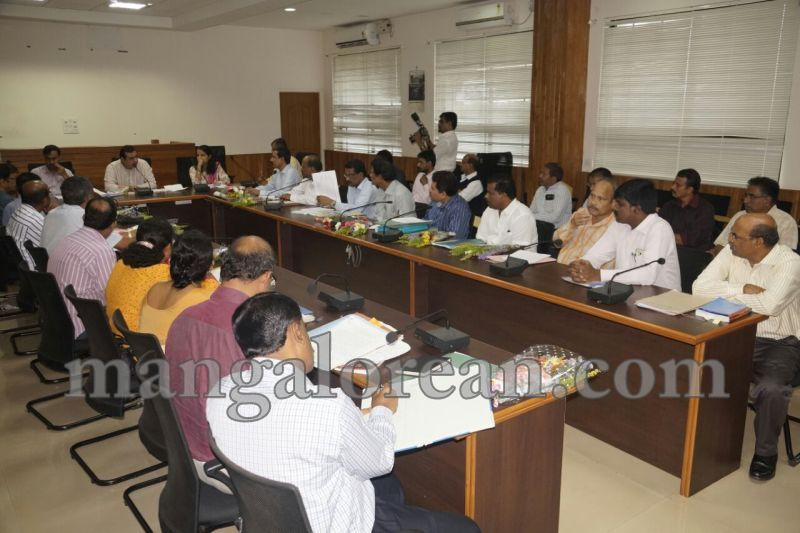 image007dist-official-meeting-20160625