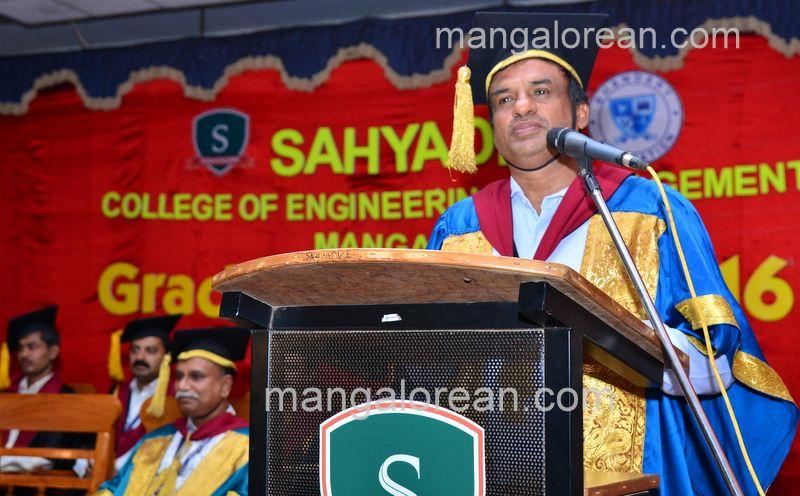 image007sahyadri-graduation-20160611-007