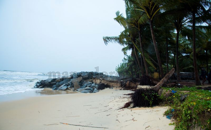 image007sea-erosion-threat- for- many- houses- in-udupi-district-20160629