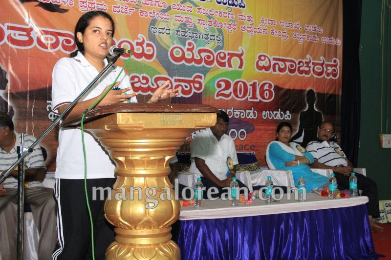 image007world-yoga-day-udupi-20160621