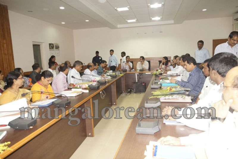 image008dist-official-meeting-20160625