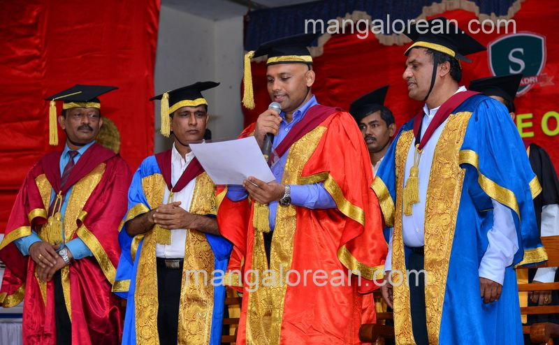 image008sahyadri-graduation-20160611-008