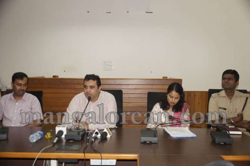 image009dist-official-meeting-20160625