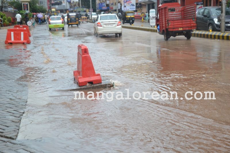 image009no-proper-drainage-streets-flooded-in-city-20160623-009
