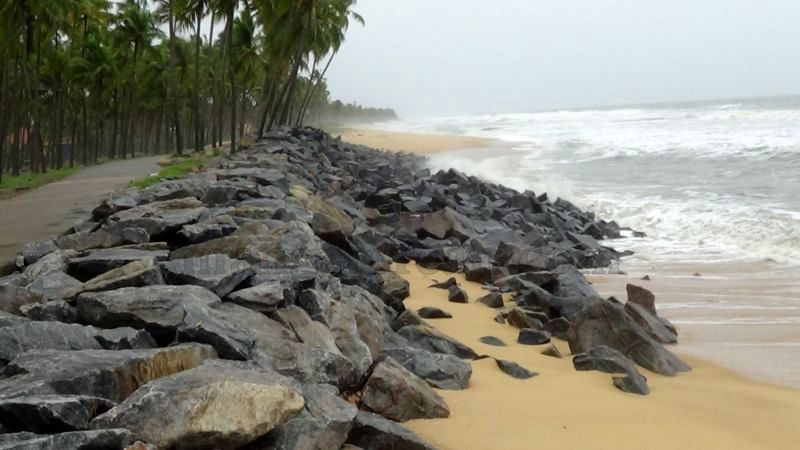 image010sea-erosion-threat- for- many- houses- in-udupi-district-20160629