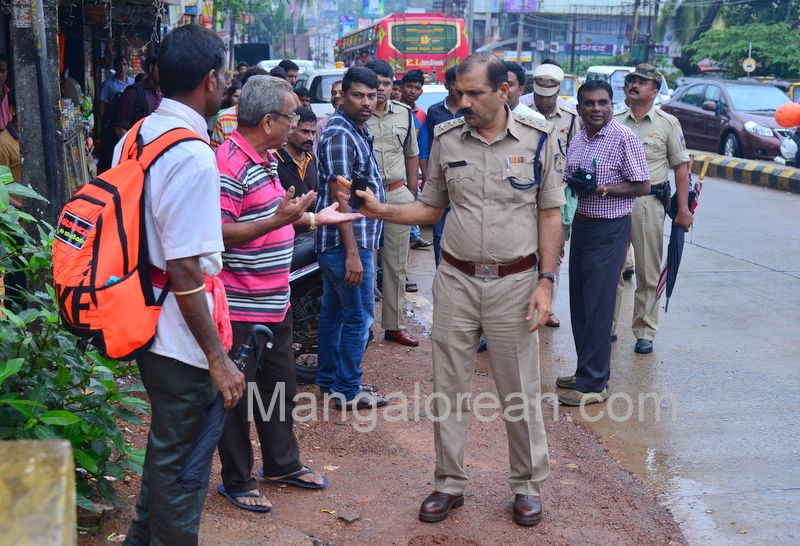 image011police-commissioner-chandra-sekhar-inspects-city-roads-20160622-011