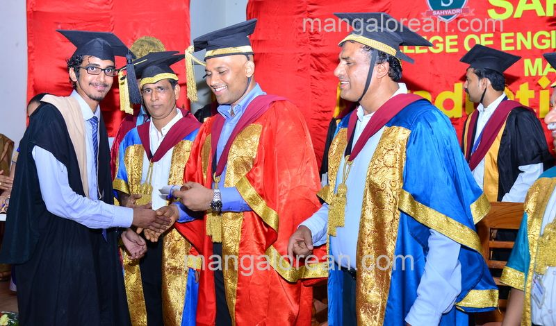 image011sahyadri-graduation-20160611-011