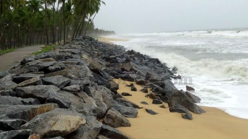 image011sea-erosion-threat- for- many- houses- in-udupi-district-20160629