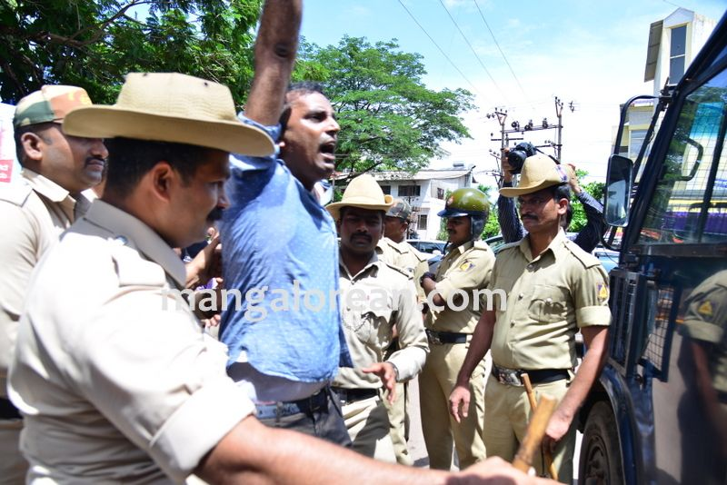 image013baliga-sisters-protest-20160606-013