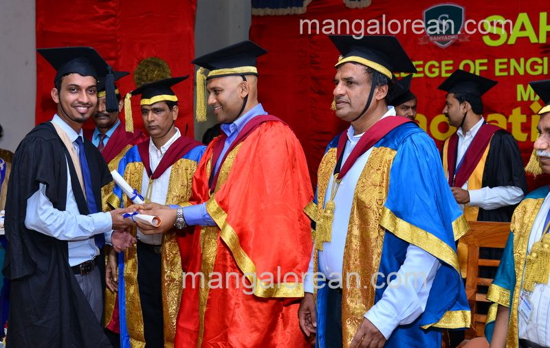 image013sahyadri-graduation-20160611-013