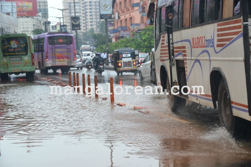 image014no-proper-drainage-streets-flooded-in-city-20160623-014
