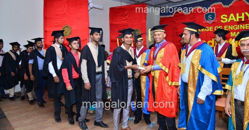 image014sahyadri-graduation-20160611-014